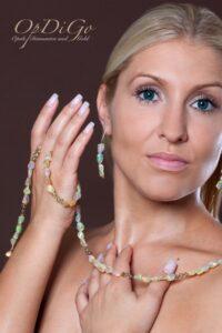 Kopie von Kaufhaus Witten Opalkette u. Ohrgehänge